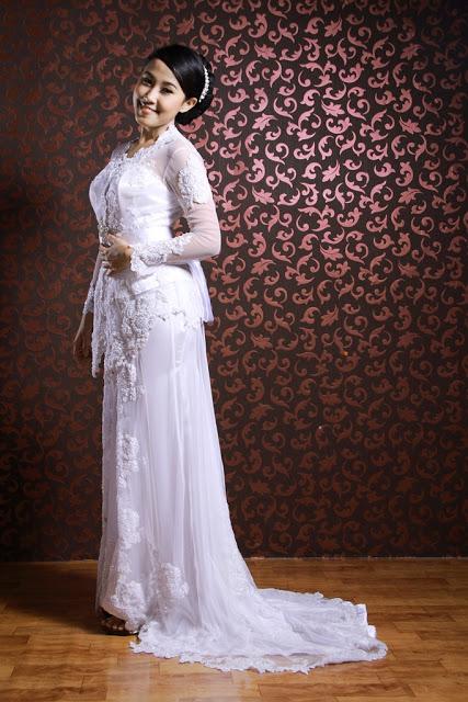 Model Baju Kebaya Pengantin Modern Warna Putih 1