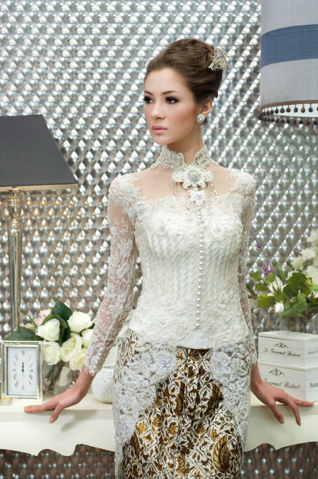 Model Baju Kebaya Pengantin Modern Warna Putih