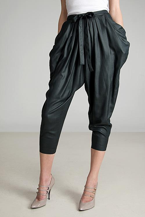 Model Celana Harem Wanita Terbaru 1