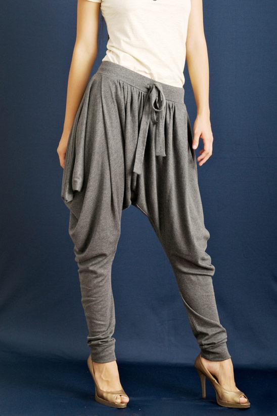 Model Celana Harem Wanita Terbaru