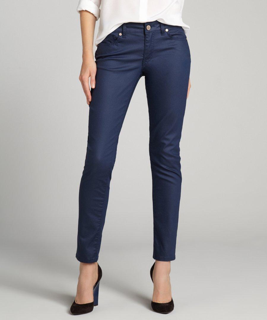 Model Celana Pensil Wanita Terbaru 2
