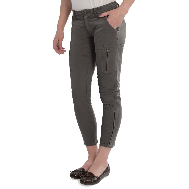 Model Celana Pensil Wanita Terbaru 3