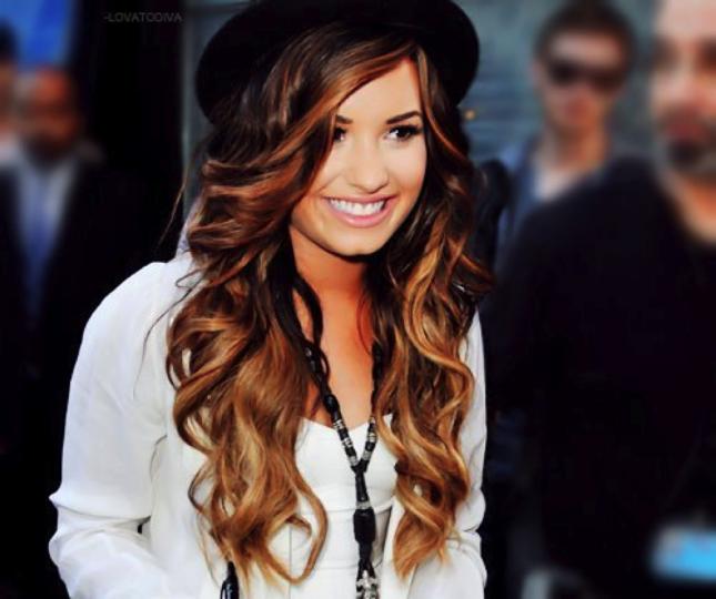 Model Rambut Ombre Ala Demi Lovato