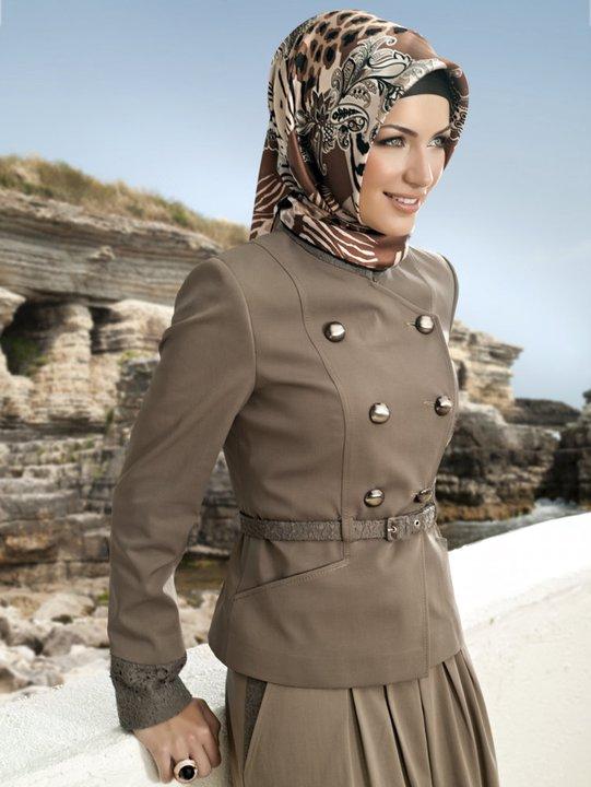 Baju Kerja Wanita Muslim untuk Kantor Resmi