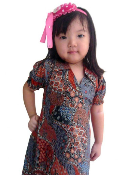 Dress Batik Sebagai Baju Pesta Anak Perempuan