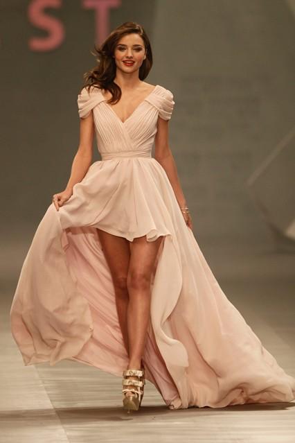 Gaun Pesta Malam Mullet Warna Pink