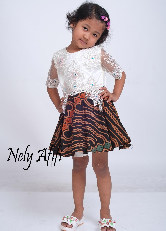 Gaun untuk Baju Pesta Anak Perempuan dengan Motif Batik Lucu