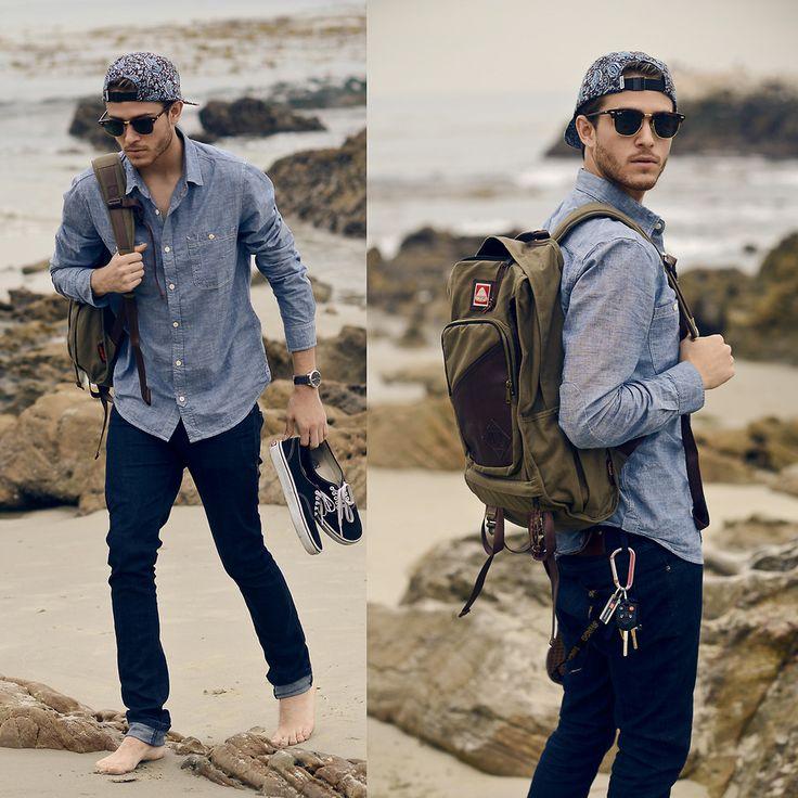 Gaya Busana Pria dengan Aksesoris Topi Snapback