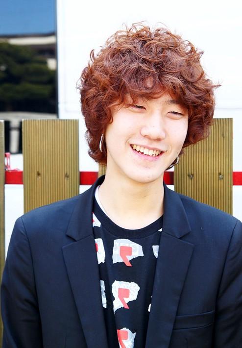 Gaya Rambut Pria Korea Keriting