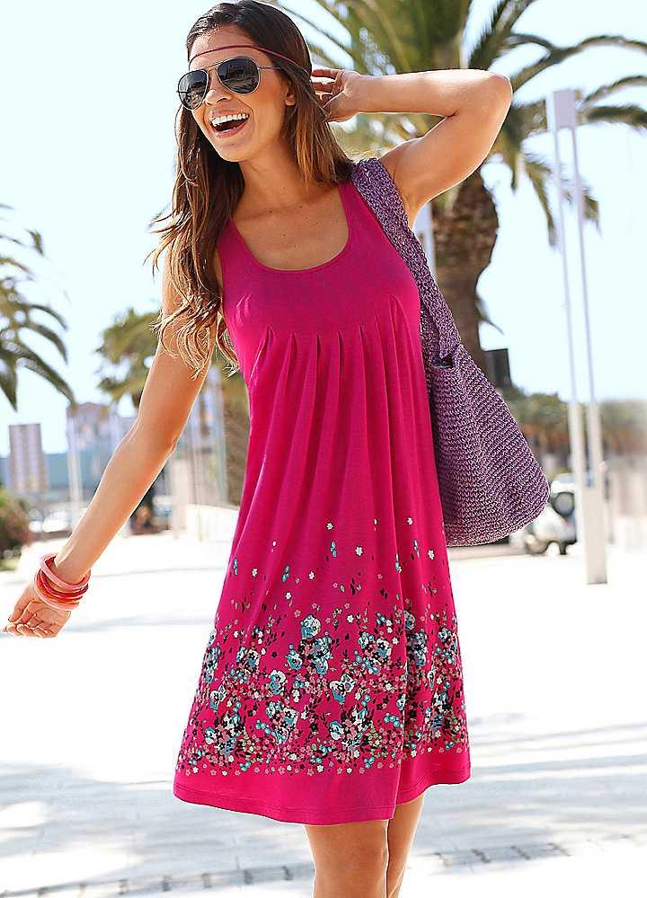 Model Baju Pantai Wanita dengan Dress Lengan Gantung