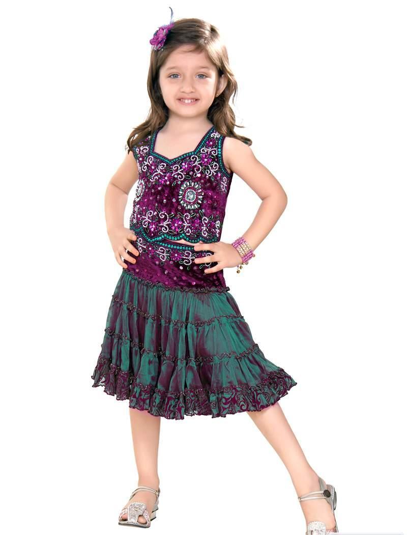 Model Baju Pesta Anak Perempuan yang Lucu dan Terkini
