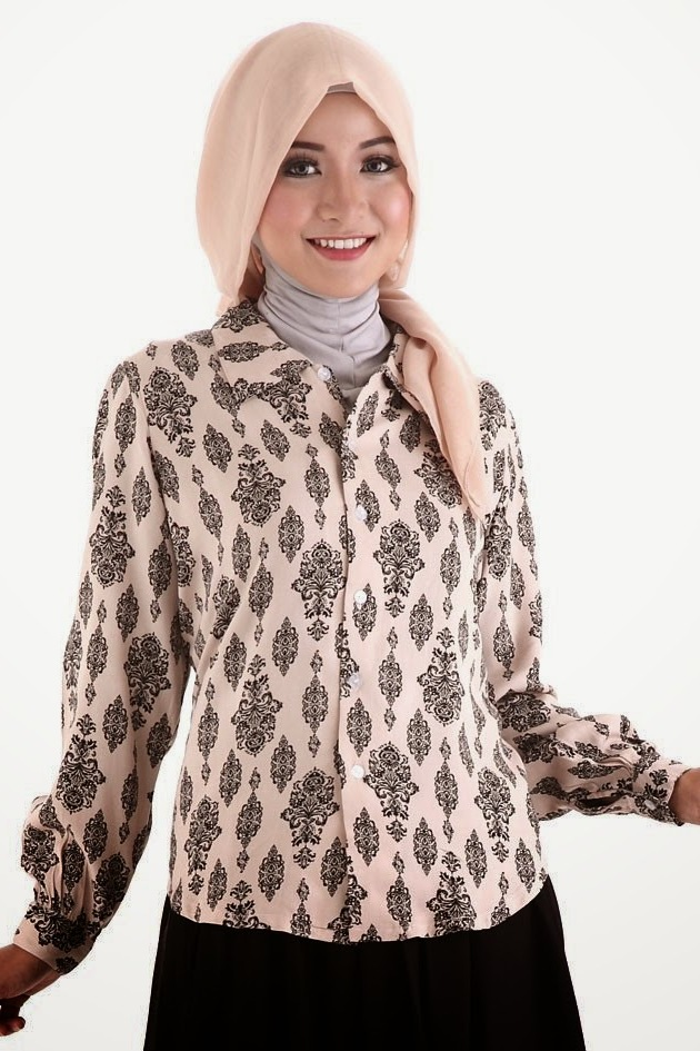Model Baju Batik Muslim Kerja untuk Wanita