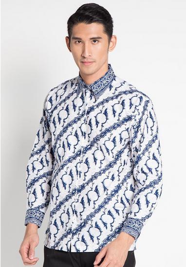 Model Baju Batik Muslim Pria Lengan Panjang Kombinasi Putih Biru