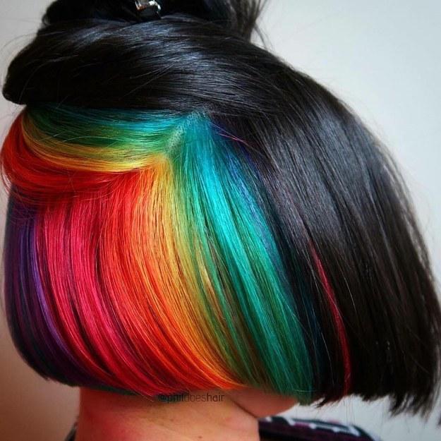 Warna Rambut Pelangi untuk Rambut Pendek