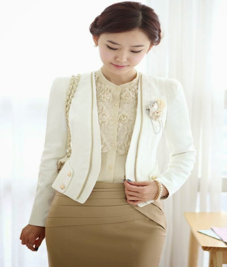 Model baju kantor wanita