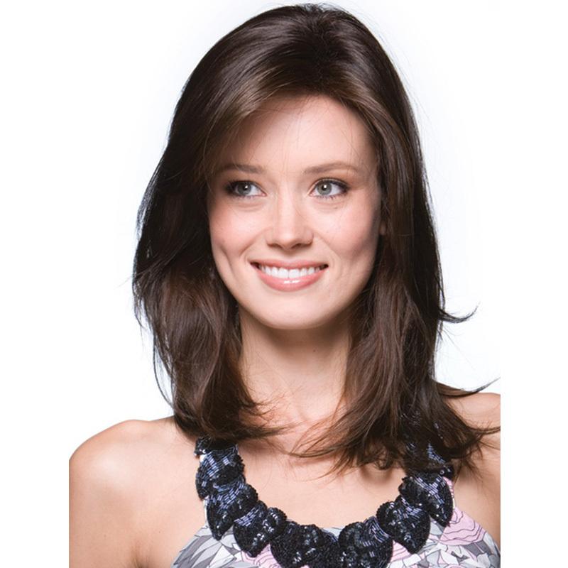 Warna Rambut Coklat Tua dengan Rambut Sebahu